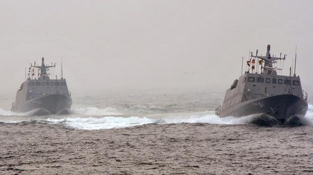Un destructor y un fragata chinos entran en las aguas en disputa con Japón