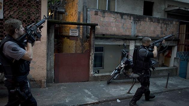 Video y fotos: La policía ocupa las favelas más peligrosas de Río de Janeiro