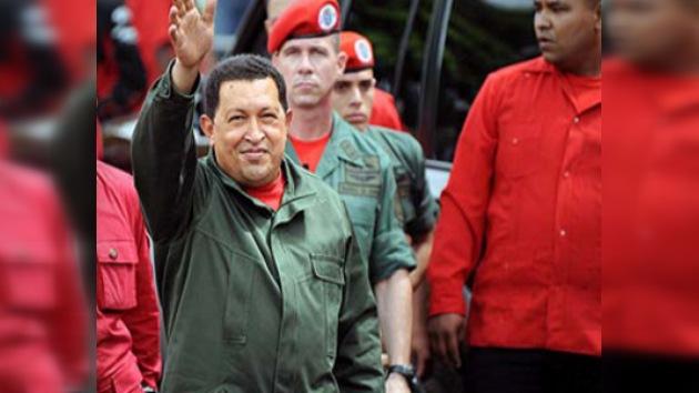 Hugo Chávez busca su reeleсción con una campaña de tres años