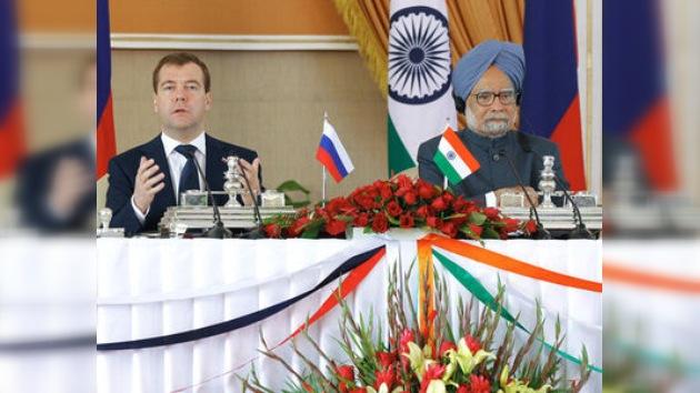 Rusia  y la India firman una treintena de documentos bilaterales