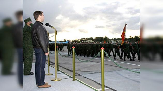 Dmitri Medvédev obtuvo el derecho a emplear armas fuera del país