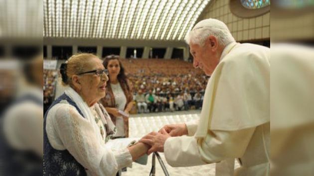 """Benedicto XVI: """"Que nunca más los gitanos sean víctimas de desprecio"""""""