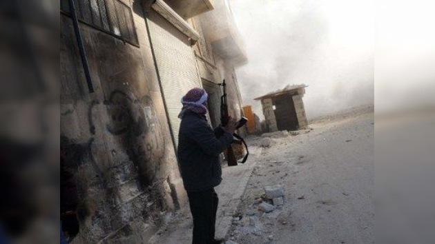 Siria: Al Assad promulga la nueva Constitución, mientras prosiguen los combates