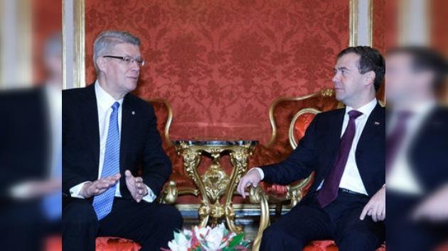Rusia y Letonia inician el diálogo tras casi 20 años de alejamiento
