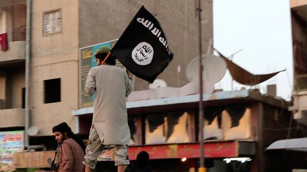 Video: Yihadistas del Estado Islámico a la espera de sus esclavas sexuales