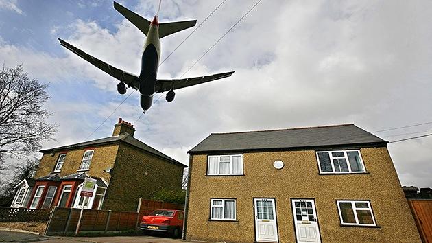 Hallan en las calles de Londres el cadáver de un africano que cayó desde un avión