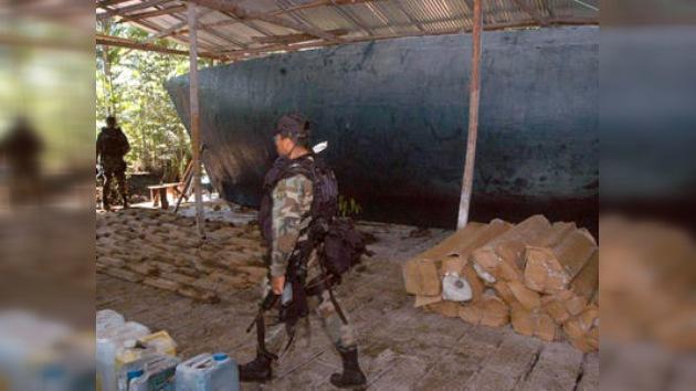 Hallan un narcosubmarino en las aguas del Pacífico colombiano
