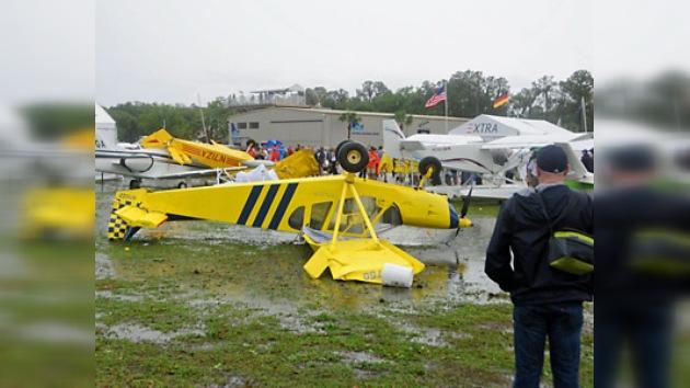 Tornados en Florida producen daños materiales