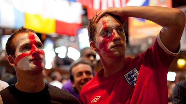 Retiran los pasaportes a  'hooligans' ingleses