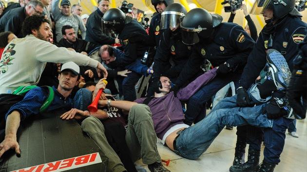 La violencia policial puede perjudicar la imagen de España