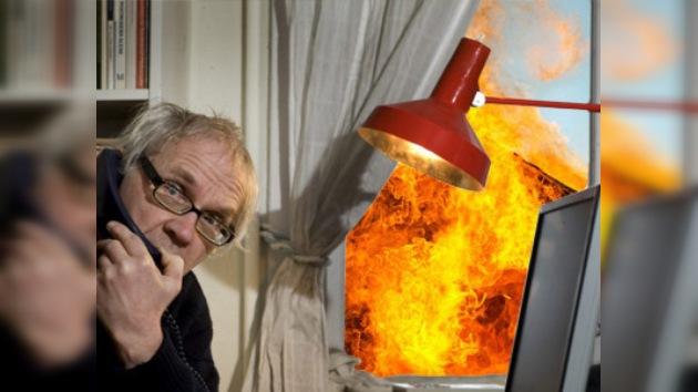 Islamistas incendiaron casa del caricaturista Lars Vilks