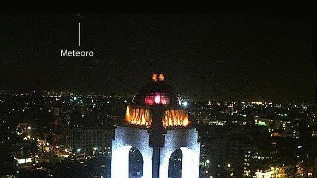 Video: Graban un meteorito en México