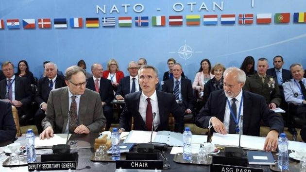 """""""La OTAN calla violaciones de alto el fuego por Kiev acusando a Rusia de desestabilización"""""""