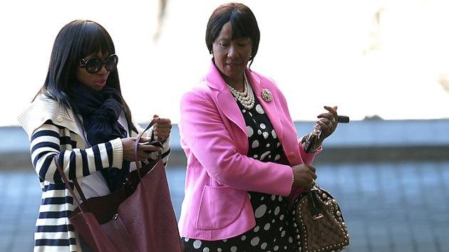 """Hija de Mandela: """"Los periodistas son como buitres que esperan los restos del búfalo"""""""