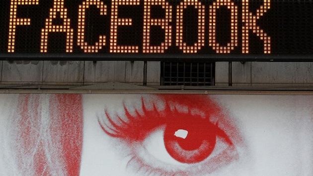 Demandan 15.000 millones de dólares a Facebook por espionaje