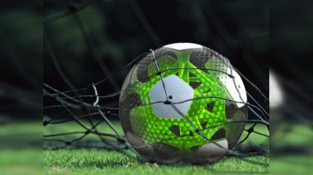 Mexicanos inventan un balón de fútbol inteligente