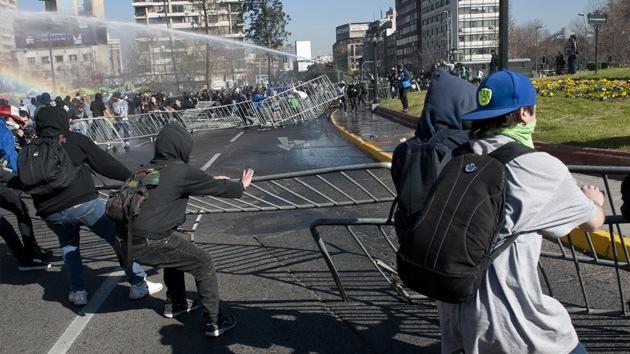 'Protestas estudiantiles' provocan pérdidas millonarias en Chile