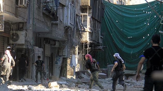 Un nuevo informe vincula a líderes de la oposición siria con terroristas de Al Qaeda