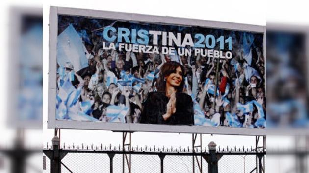 Fernández de Kirchner se mete en campaña con la reeleción en el bolsillo