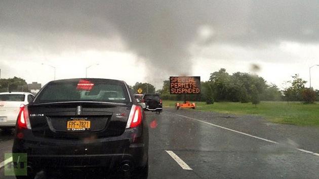 Vídeo: Un tornado toca tierra en Nueva York