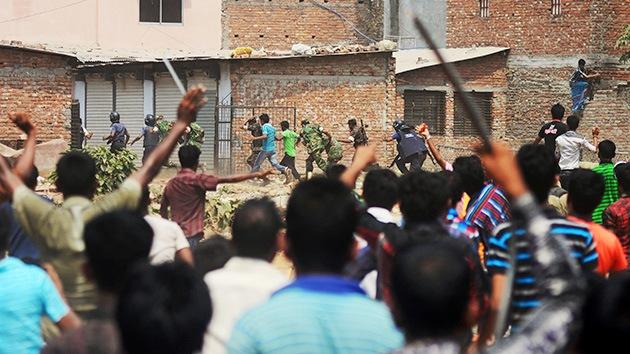 Video, fotos: Multitudinarias manifestaciones por la catástrofe de Bangladés