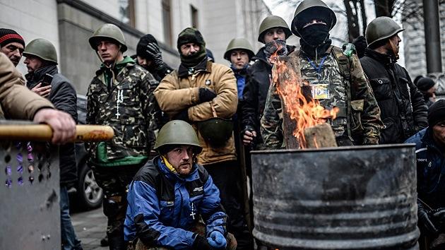Video: Rebeldes ucranianos reclaman el dinero prometido por los disturbios