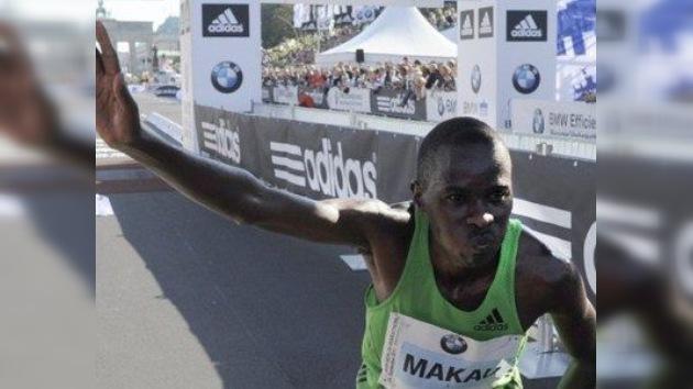 El keniano Patrick Makau bate el récord mundial de maratón