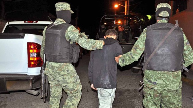 Degüellos, secuestros y extorsiones: los 'juegos' de unos 30.000 niños en México
