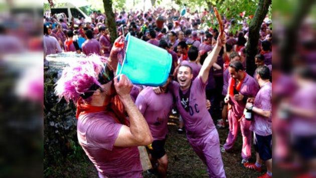 La 'Batalla del vino' en el norte de España reúne a los luchadores más intrépidos