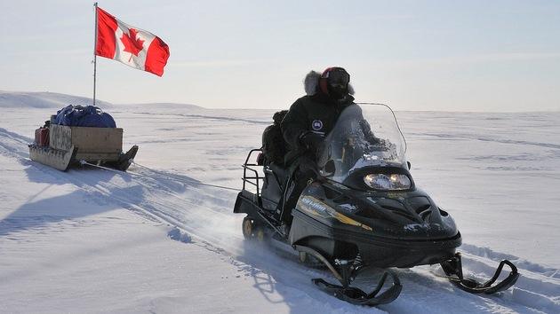 Canadá prueba en secreto una moto de nieve silenciosa para operaciones en el Ártico