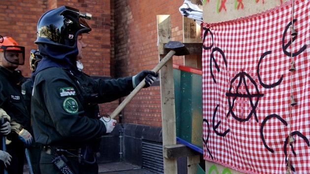 FOTOS: Policía alemana desaloja un campamento de 'indignados'
