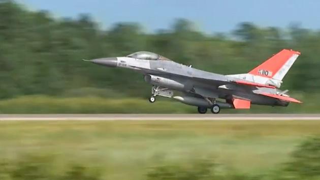 Video: Aviones de caza F-16 se convierten en 'drones'