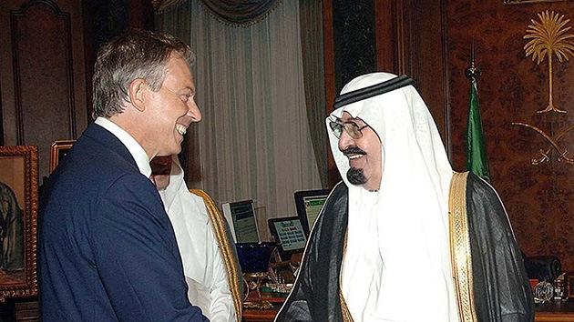 Tony Blair recibió miles de dólares de una petrolera saudita para que la promoviera
