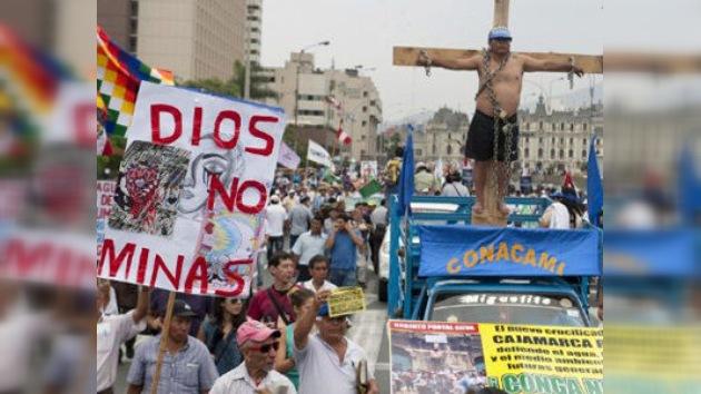 Perú: cientos de personas vuelven a las calles contra un proyecto minero