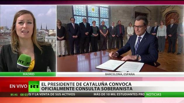 Artur Mas firma el decreto de convocatoria de la consulta soberanista de Cataluña