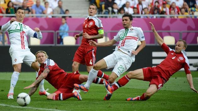 Portugal se impone a Dinamarca y mantiene las esperanzas en la Eurocopa 2012