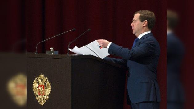Medvédev da un paso más en la liberalización del sistema político