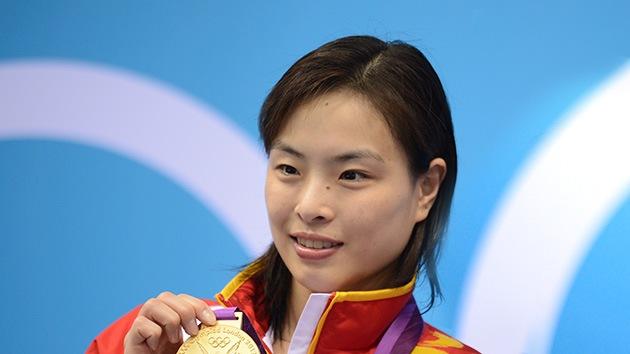 Campeona olímpica se entera de la muerte de sus abuelos un año después