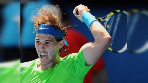 Nadal y Federer siguen firmes en el Abierto de Australia