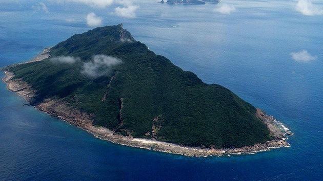 Barcos chinos de patrulla entran en las aguas territoriales que bañan las islas en disputa con Japón