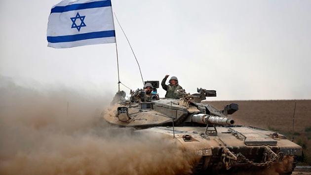 Israel despide a los árabes que protestan contra la ofensiva en Gaza en las redes