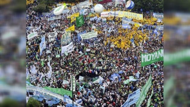 Manifestación a favor de la reelección de Cristina Fernández paraliza Buenos Aires