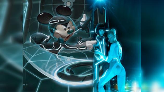 Playboy y Mickey Mouse al estilo 'Tron'