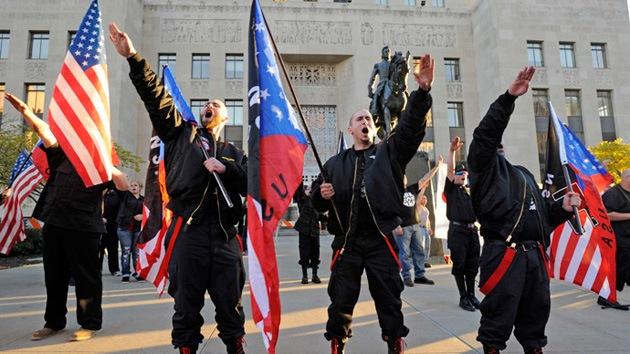 Neonazis quieren erigir un monumento a la raza blanca en una ciudad de EE.UU.