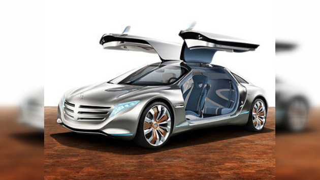 Mercedes-Benz se salta el semáforo de la crisis: nuevo record de ventas en 2011