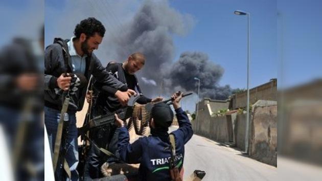 Fuerzas de Gaddafi bombardean la ciudad rebelde de Misurata