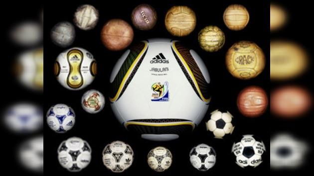 El balón de fútbol: evolución y negocio 'redondo'
