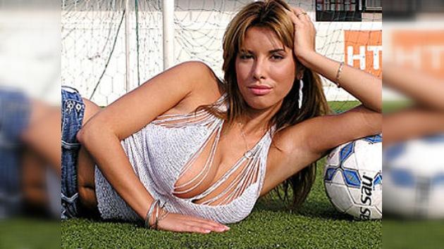 Una modelo de Playboy jugará en la primera división masculina de fútbol