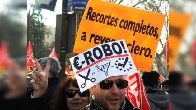 La reforma laboral pone 'en pie de guerra' a un millón de españoles