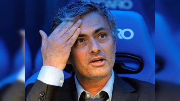 José Mourinho, multado y suspendido por cinco partidos por comentarios contra la UEFA